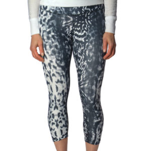 NOCTURNAL CROP BOTTOM YOGA PANTS - snow leopard pattern black and white